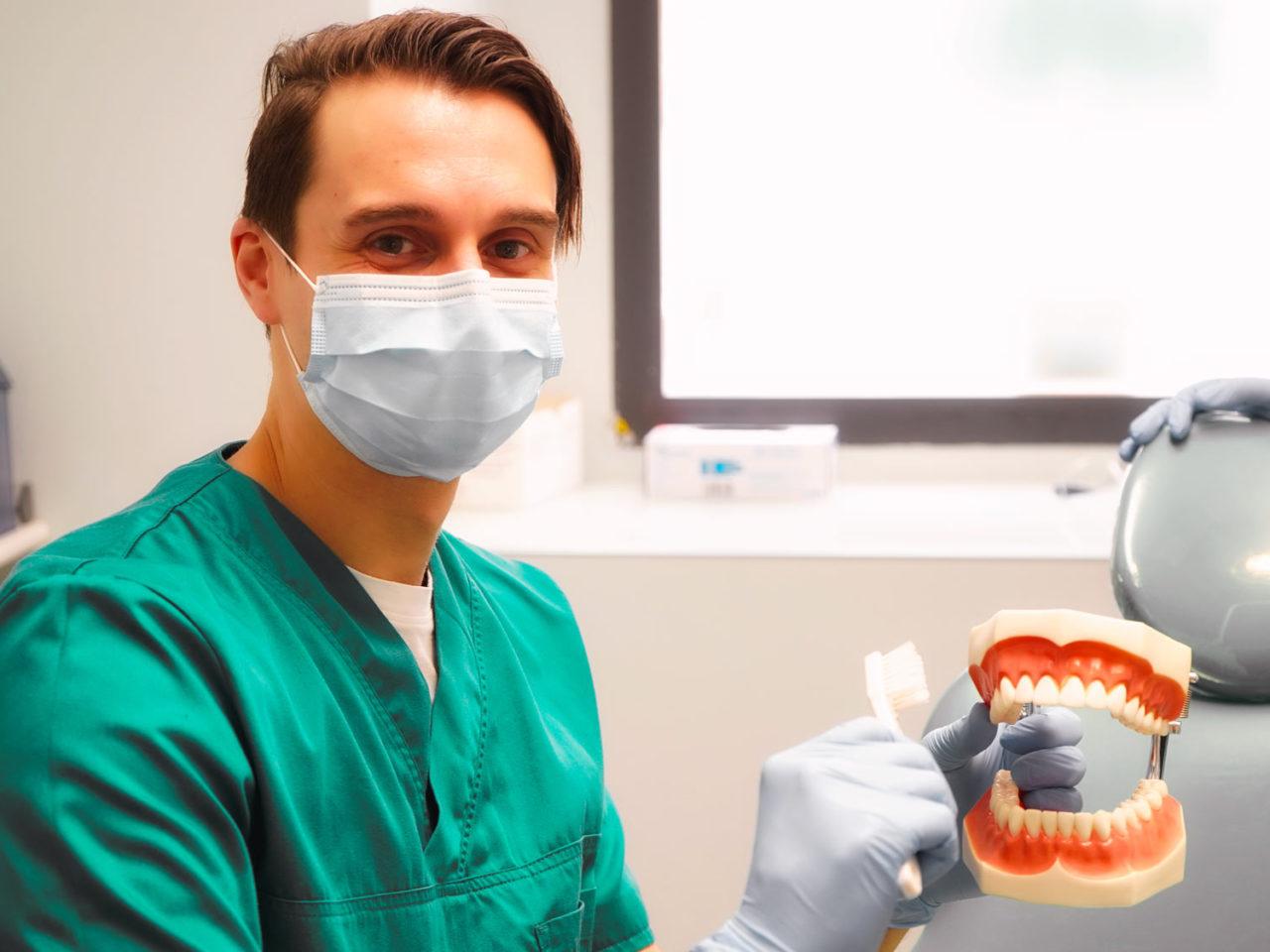 Igiene - igiene orale - Studi Mezzena Centro di Riabilitazione Odontoiatrica a Concesio (BS) - Orzinuovi (BS) - Pessano (MI) - Treviglio (BG)