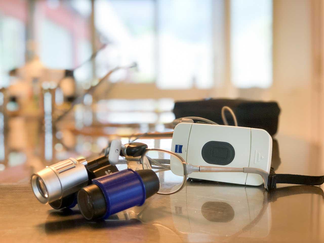 occhialini zeiss - Studi Mezzena Centro di Riabilitazione Odontoiatrica a Concesio (BS) - Orzinuovi (BS) - Pessano (MI) - Treviglio (BG)