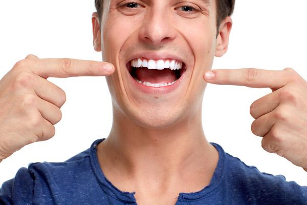 avere-un-bel-sorriso | Studi Mezzena Centro di Riabilitazione Odontoiatrica a Concesio (BS) - Orzinuovi (BS) - Pessano (MI) - Treviglio (BG) - parodontite - Studi Mezzena Centro di Riabilitazione Odontoiatrica a Concesio (BS) - Orzinuovi (BS) - Pessano (MI) - Treviglio (BG)